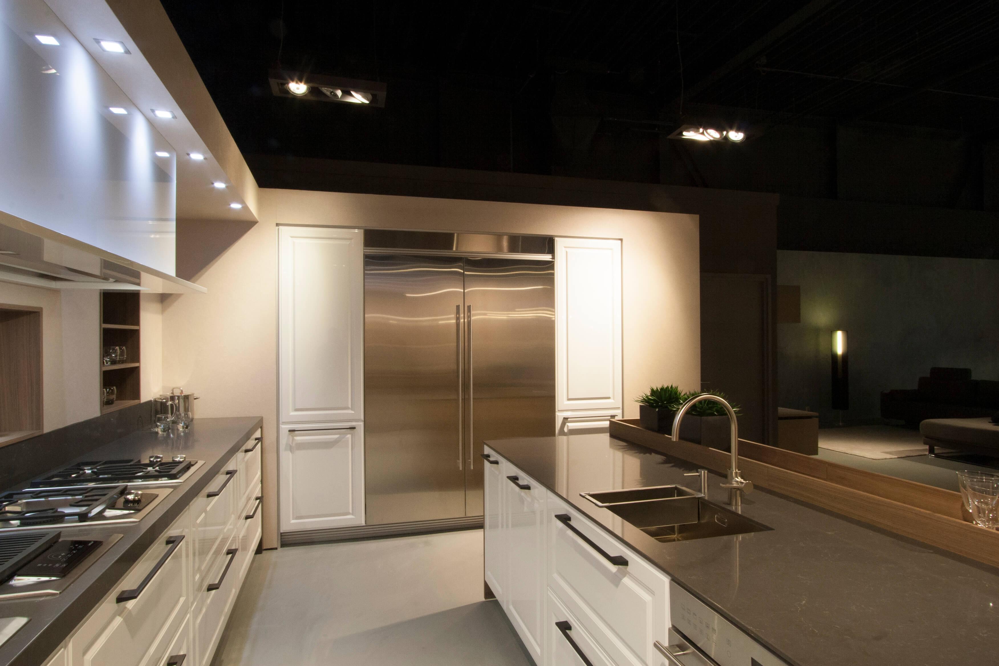 Keuken Modern Klassiek : Moderne keukens. Showroommodel bij Poggenpohl.