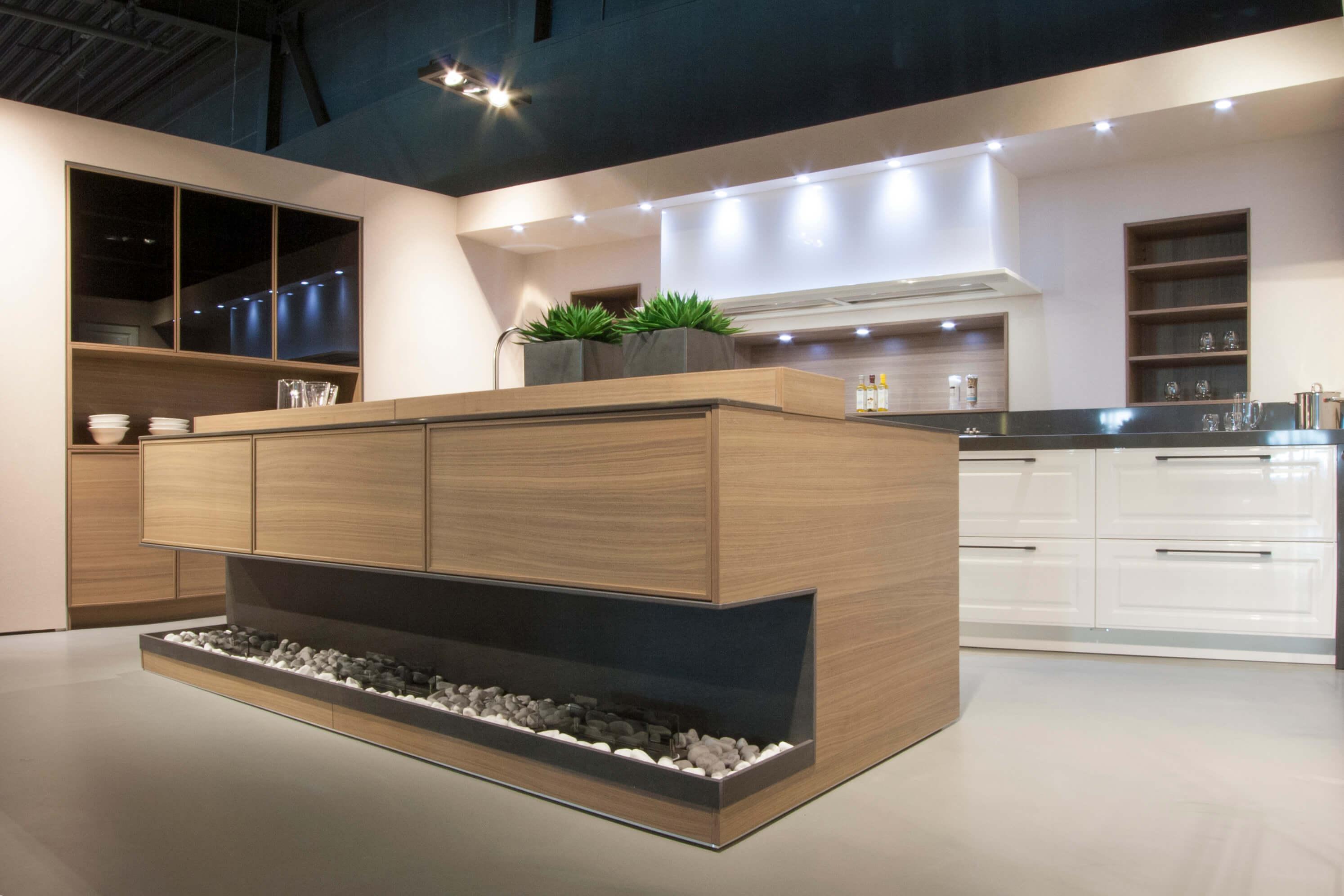 Moderne keukens showroommodel bij poggenpohl - Foto keuken amenagee ...